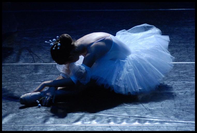 ballet & theater 32
